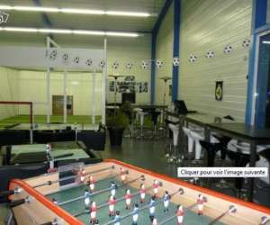 Foot  and  food - complexe de foot en salle  et   bar a