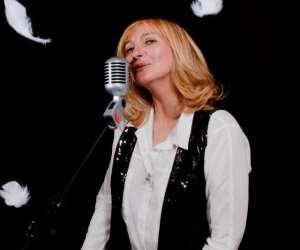 Chanteuse - musicienne marie-elyse