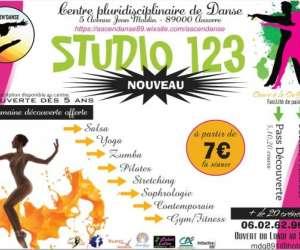 Studio 123