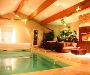 Chambre à thème piscine et sauna pour couple