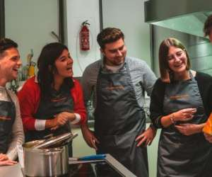 Les gourmets en cuisine