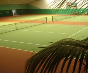 Tennis couverts montjoie sa