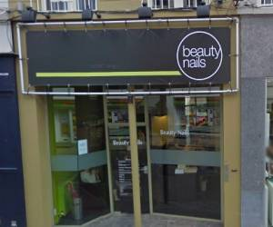 Beauty nails center