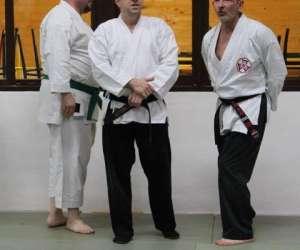 Tai-jitsu jiu-jitsu self defense