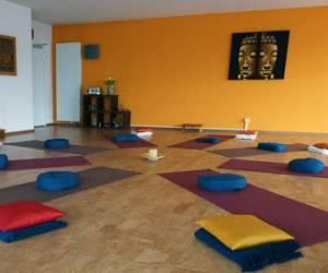 Yoga & pilates jeannette perucchi