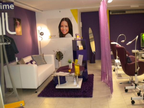 blanchiment dentaire fribourg 1700 t l phone horaires et avis. Black Bedroom Furniture Sets. Home Design Ideas