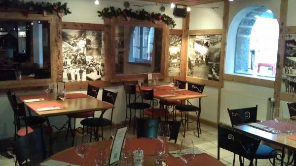 Restaurant le centre champ ry champery 1874 t l phone for Champery restaurant