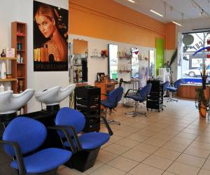 French-cut coiffure