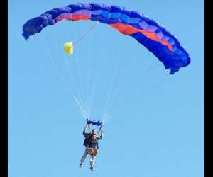 Flyattitude parachutisme
