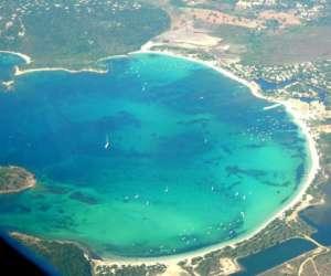 Location villa et résidence avec piscine en corse