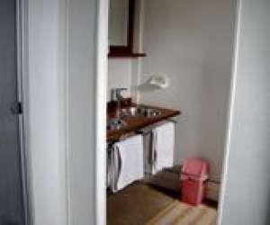 Loc meubles- chambres et table d