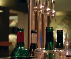 Restaurant bar à vin