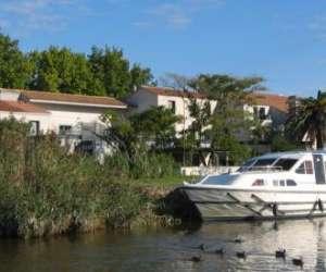Hotel canal aigues mortes camargue