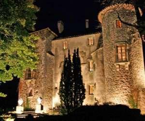Chateau   du  cros - chambres et table d