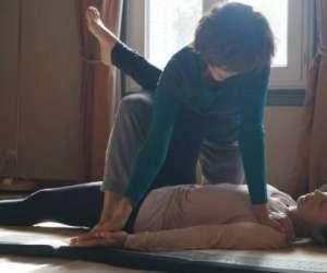 Praticienne certifiée en yoga massage thailandais