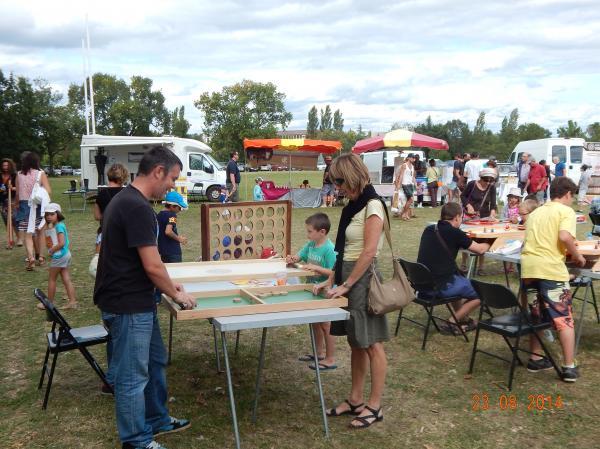 58c6304d18125e Location-animation grands jeux en bois à Castelnaudary 11400 ...