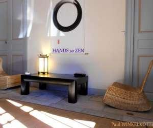 Hands so zen