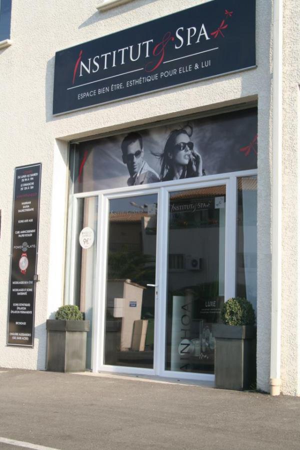 Salon de beaut mixte institut spa nimes 30900 for Salon bio nimes