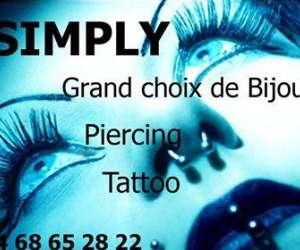 Simply piercing tatouage