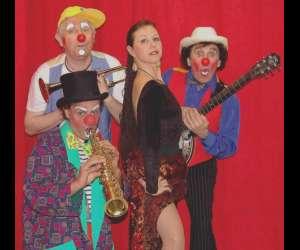 Les stupidos clowns musicaux