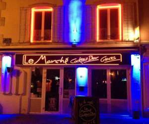 Le  march� cocktail bar